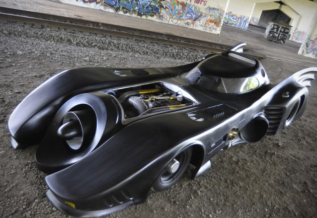 Jet-Turbine-Powered-Batman-Batmobile-1