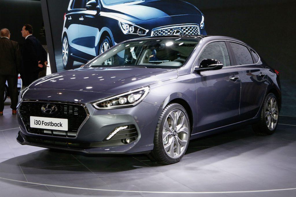 Hyundai-i30-Fastback-1024x683.jpg